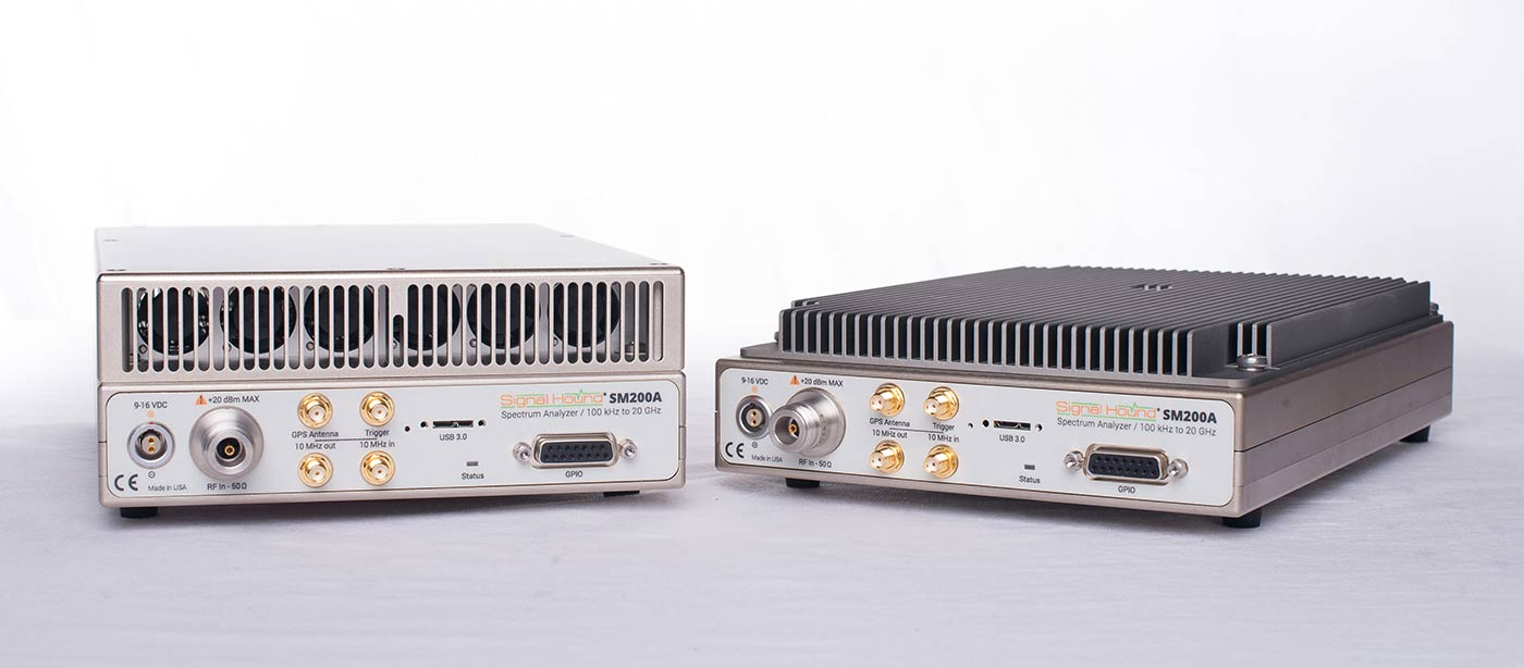 Two SM200A RF spectrum analyzers with VITA 49 features